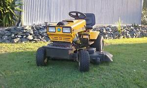 "Deluxe Greenfield 30hp/42"" Fastcut Ride on Mower Yatala Gold Coast North Preview"