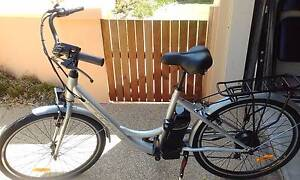ELECTRIC UNISEX BIKE - PRICE REDUCED!! Bundall Gold Coast City Preview