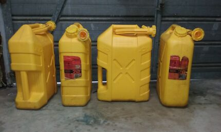 20 litre Diesel X 4  Willow Yellow Jerrycans 2 x full diesel 40L Gold Coast Region Preview