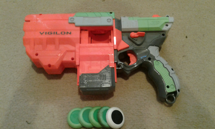 Nerf disk gun with 5 disks