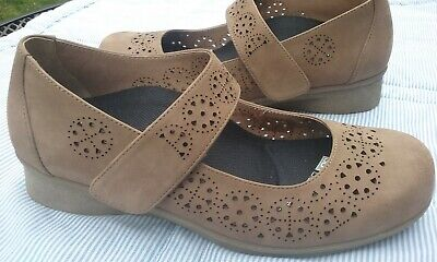ABEO EVERLEIGH Comfort Walking Shoes Suede Leather Mary Janes Sz 6M Taupe MINT!!