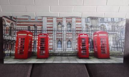 Large print of London scene in perfect condition !  only $20