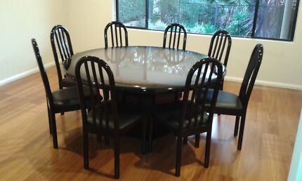 High Back Chairs and Round Dinning Table