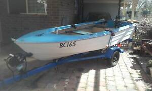 12' (3.8m) fibreglass runabout with all the gear!