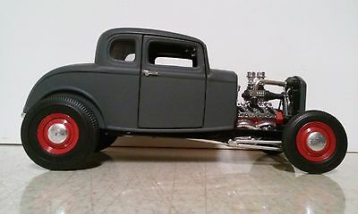 ERTL 1/18 SCALE GREY 32 FORD HOT ROD DIECAST CAR