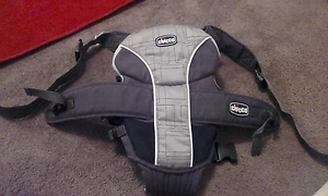 Chicco 2 Way Baby Carrier. Woodcroft Morphett Vale Area Preview