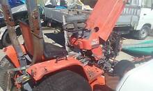Kubota B1750 Tractor with 60in mowing deck Branxton Singleton Area Preview