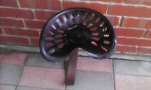 OLD VINTAGE TRACTOR SEAT Enfield Port Adelaide Area Preview