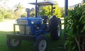 Ford 4000 tractor Finch Hatton Mackay Surrounds Preview