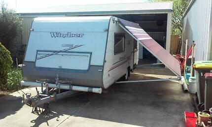 All round Sunchaser Caravan Breakwater Geelong City Preview