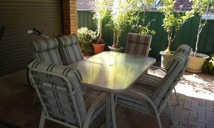 outdoor table @ chair Elderslie Camden Area Preview