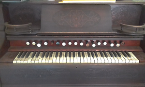 "Harmonium / ""Old Fashioned"" Wooden Organ Mount Barker Plantagenet Area Preview"