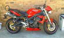 4/2010 triumph street triple Brighton Brighton Area Preview