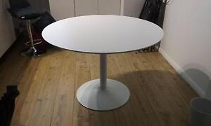 Round white table Mona Vale Pittwater Area Preview