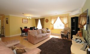 Spacious Bright Brossard Condo for Rent with lots of ++