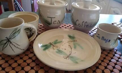 DRAGONFLY DESIGN HAND CRAFTED POTTERY SET.