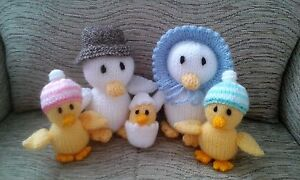 Hand Knitted toys. Family 5 Ducks,Mum, Dad,2 ducklings & 1 chic.Soft & cuddly.