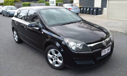 LOW KM & PERFECT 2005 Holden Astra Hatchback Kangaroo Point Brisbane South East Preview