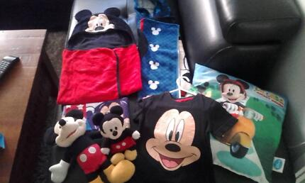 mickey mouse stuff in excellent condition