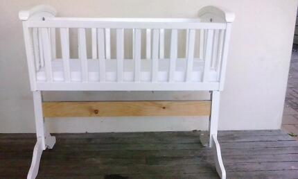 Cradle bassinet Helensvale Gold Coast North Preview