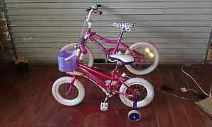 Two girls push bikes 60 each like new Shellharbour Shellharbour Area Preview