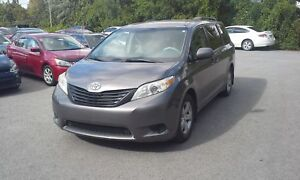 2011 Toyota Sienna LE 8 PASSAGERS BLUETOOTH