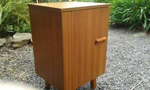 *FuNkY* Mid Century Danish Style Teak Retro Bedside - Cupboard!