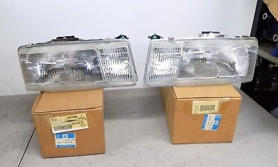 NOS GM HEADLAMP HIGHLIGHT LH RH 1991-1994 CHEVY CAVALIER Z/24 16511979, 80
