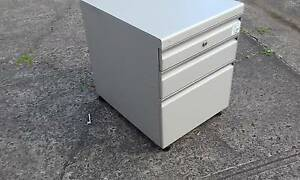 METAL MOBILE 3 DRAWER FILING CABINET*WITH KEY*STORAGE CABINET>1 Cartwright Liverpool Area Preview