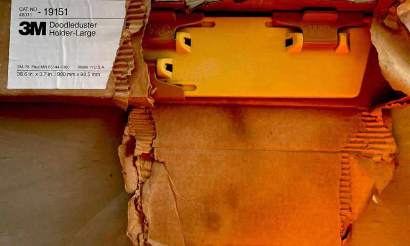 New 3M Doodleduster Holder Large 36.8 x 3.7 Yellow 48011-19151 70-0705-4672-9