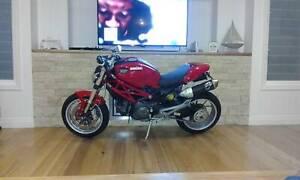 Ducati 1100 Monster