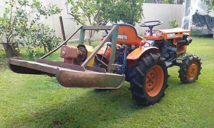 KUBOTA B7100 TRACTOR HST 4WD 16HP WITH 1M DONNELLY SLASHER
