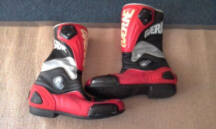 Motorbike boots and gloves Burswood Victoria Park Area Preview