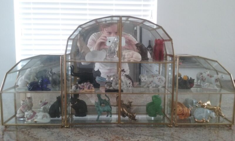 Franklin Mint Curio Cabinet Cats Figurines With Mirrored Cabinets  (30 cats)