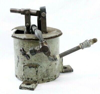 Vintage Capitol Radiator Knob Black Bakelite Steam Radiator Regulator Steampunk Altered Art Supply Open Close
