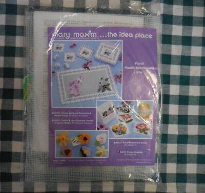 NEW Sealed Mary Maxim MAGNETS Flower PLASTIC CANVAS Needlepoint Kit 80476 - $8.00