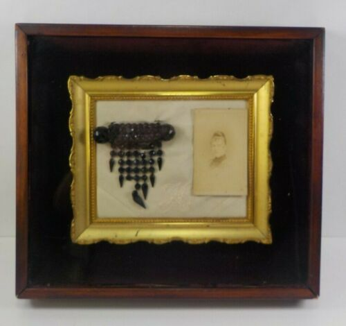 Rare CDV Photo of a Victorian Lady Wearing a Brooch and The Actual Brooch Framed