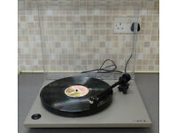 REGA RP1 TURNTABLE & CARTRIDGE