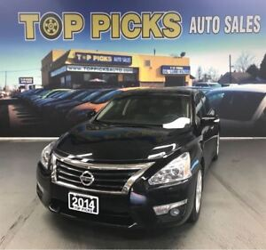 2014 Nissan Altima LOW KMS, Leather, Panoramic Sunroof, Navi & M