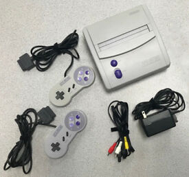 Original Super Nintendo Mini Jr (US Version) with 2 controllers, all original hook-ups