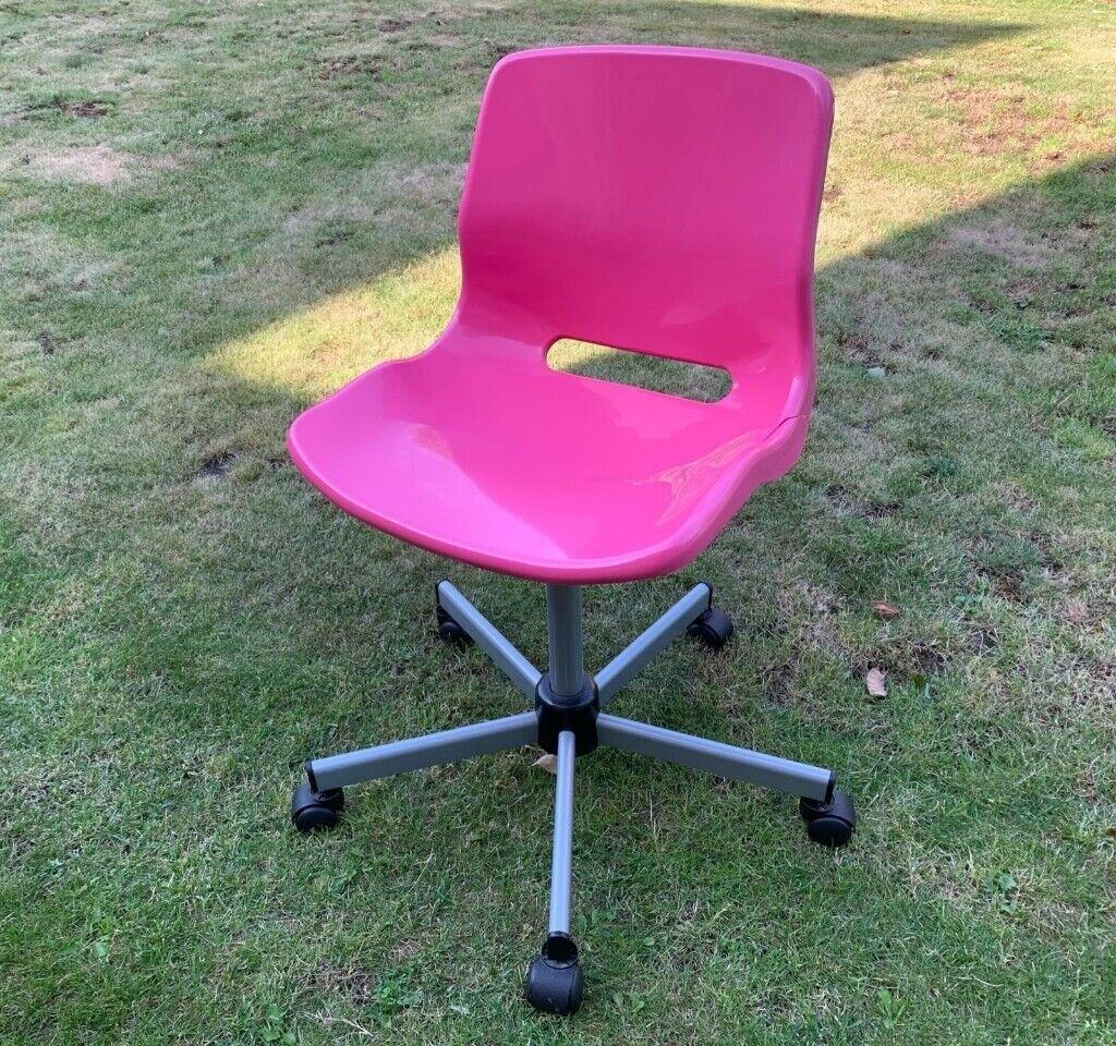 Peachy Pink Swivel Chair In Shinfield Berkshire Gumtree Machost Co Dining Chair Design Ideas Machostcouk
