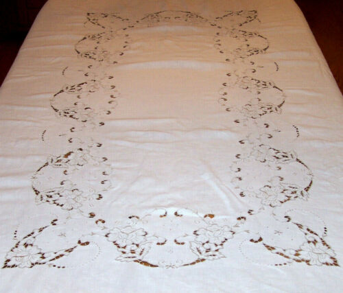 "VINTAGE MADEIRA EMBROIDERED, CUTWORK LINEN TABLECLOTH, 101"" BANQUET SIZED, c1930"