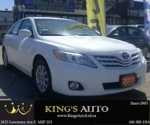 2011 Toyota Camry XLE | SUNROOF | LEATHER