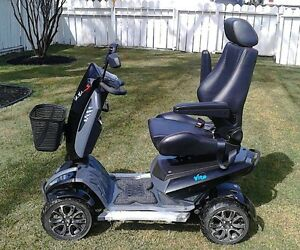 BRAND NEW SCOOTER PRICE REDUCED TO SELL!!