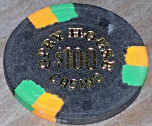 $100 1ST EDT 1978 GAMING CHIP FROM OPRY HOUS CASINO LAS VEGAS
