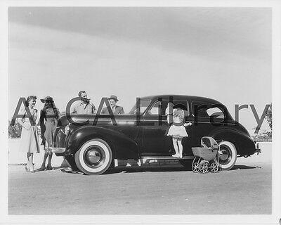 1940 pontiac special six two door sedan factory photo for 1940 pontiac 2 door sedan