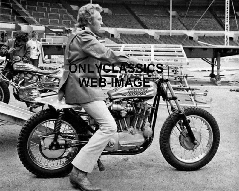 EVEL KNIEVEL 8X10 PHOTO MOTORCYCLE DAREDEVIL JUMP HARLEY DAVIDSON XR-750 WEMBLEY