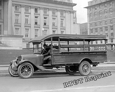 Photograph Graham Brothers Washington Gas Light Service Truck Year 1924  8X10