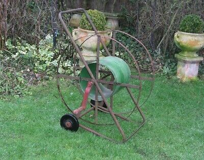 VINTAGE LARGE METAL HOSE PIPE REEL ON WHEELS GREEN AND RED