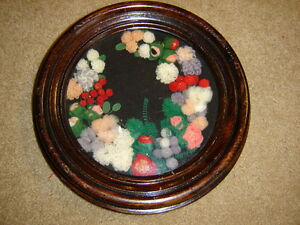 Victorian-1870-99-round-shadow-box-wood-frame-unusual-wool-flowers
